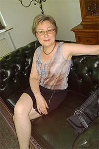 Einsame Frau in 40 Freizeitsklave