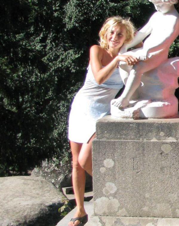 Treffen Sie warmblütige Deutsche Mädchen Älteren