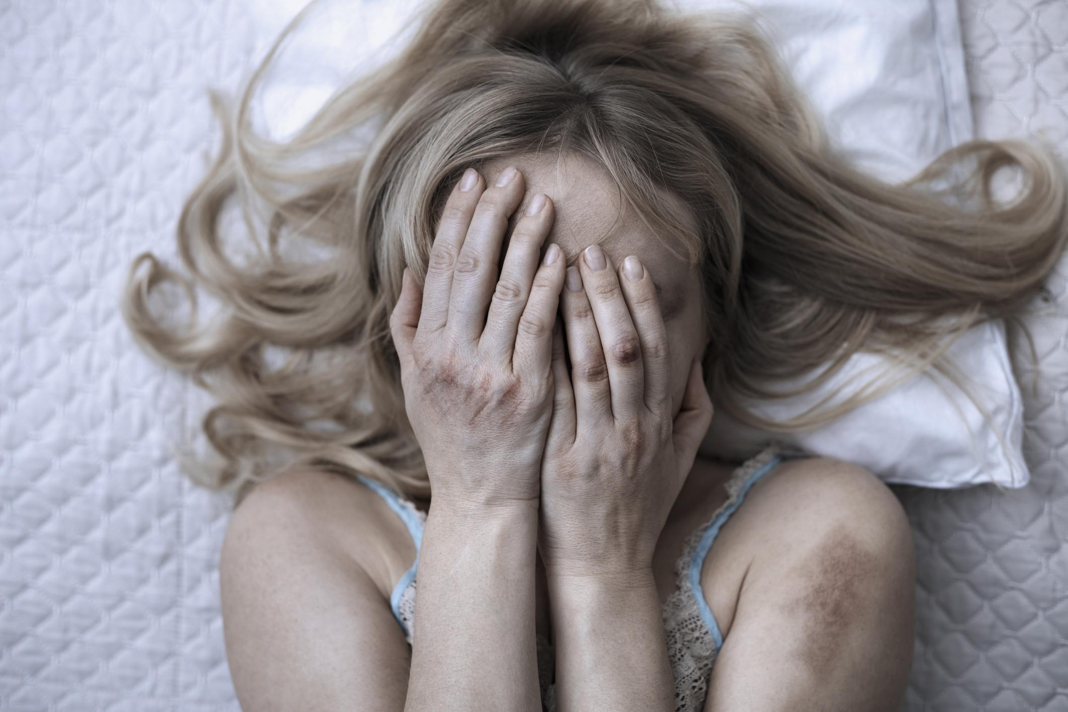 Weiße einsame Frau sucht Undgemeinsamen